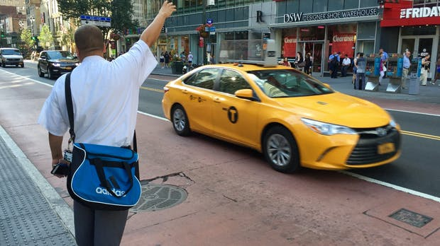 Bremse für Fahrdienste: New York will Uber und Lyft regulieren