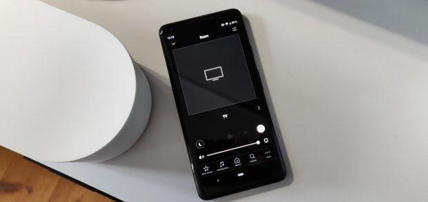 In der Sonos-App könnt ihr unter anderem Nachtmodus und Sprachoptimierung aktivieren. (Foto. t3n.de)