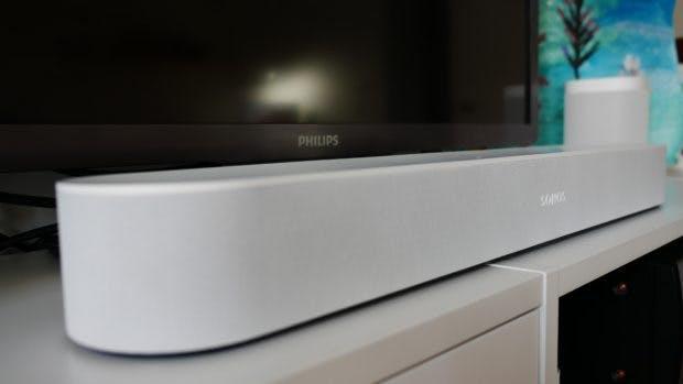 Die Sonos Beam ist mit 65 Millimeter für eine Soundbar recht kompakt. (Foto: t3n.de)