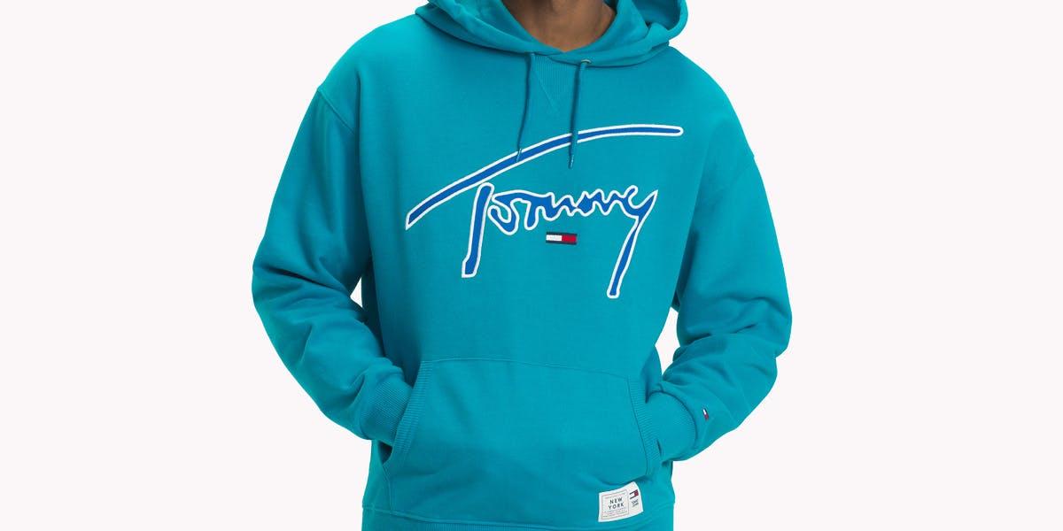 """Tommy Hilfigers """"smarte"""" Kleidung belohnt Markentreue"""