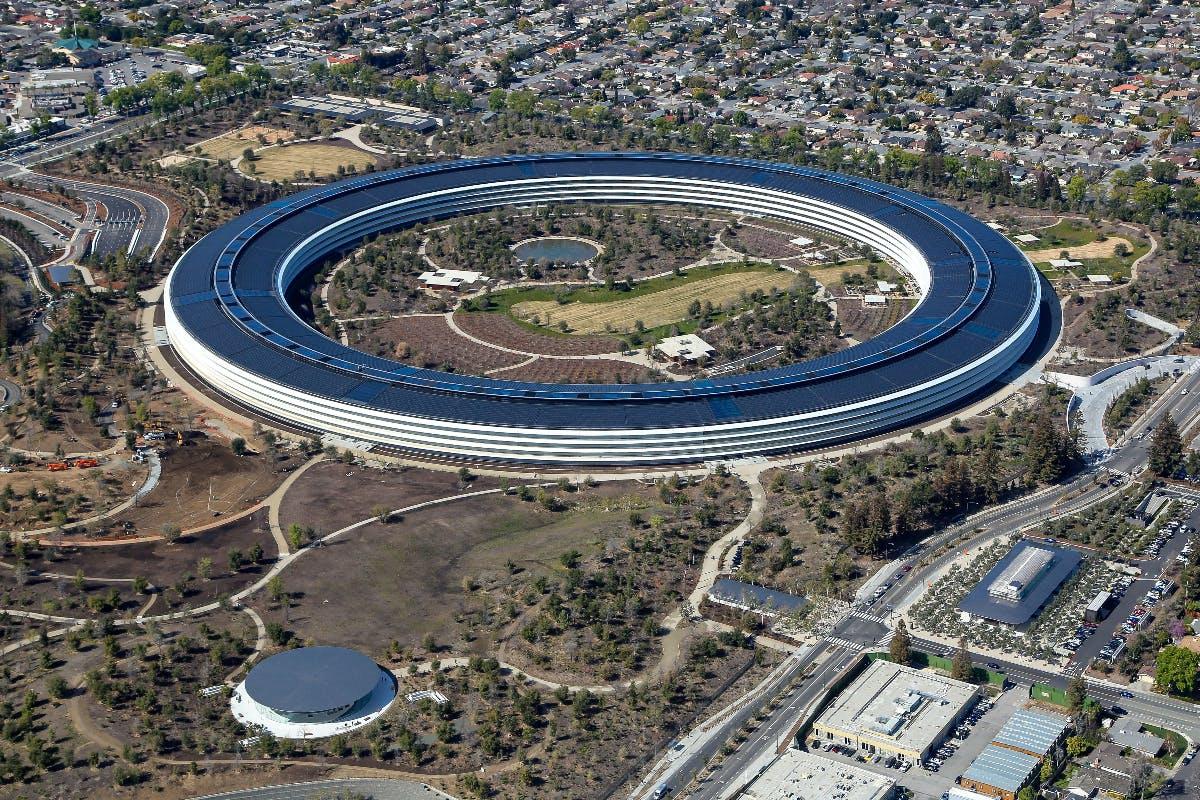 Apples Headquarter in Cupertino: Irgendwo auf diesem Bild könnte eine Gebäude-Gruppe sein, die laut Apple statt einer Milliarde doch nur 200 Dollar wert ist. Vielleicht der Billo-Büro-Ring in der Mitte?