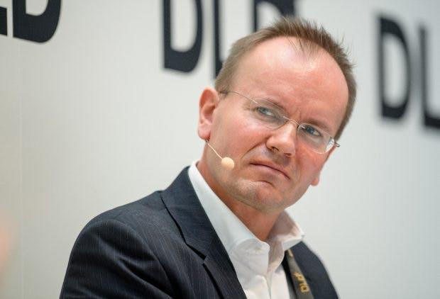 Kuckt skeptisch, ist aber erfolgreich: Markus Braun ist CEO und CTO von Wirecard - und damit von Deutschlands wertvollster Bank. Aber sind die hohen Aktienkurse gerechtfertigt? (Matthias Balk/dpa)