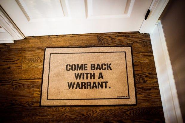 Fußmatte vor dem Duckduckgo-HQ: Datenschutz gehört für die Firma zum Geschäftsmodell. (Foto: Duckduckgo)