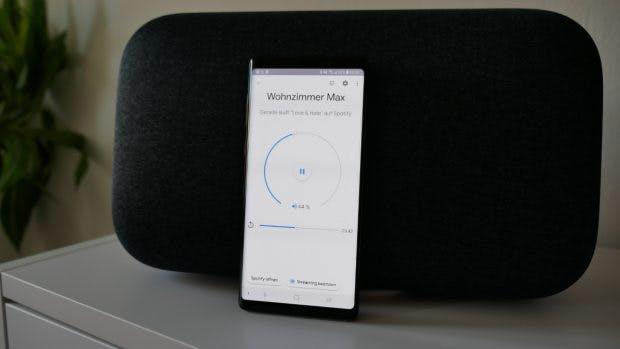 Per Home-App könnt ihr den Home Max auch ohne Stimme bedienen. (Foto: t3n.de)