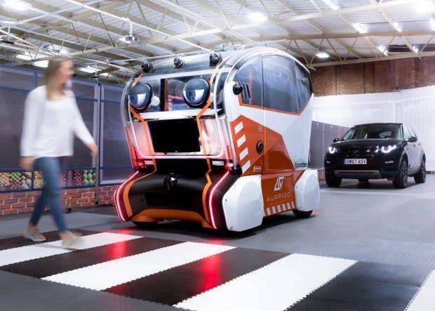 Riesige Augen an einem autonomen Fahrzeug: Sieht lustig aus und erfüllt auch einen Zweck. (Foto: Jaguar Land Rover)