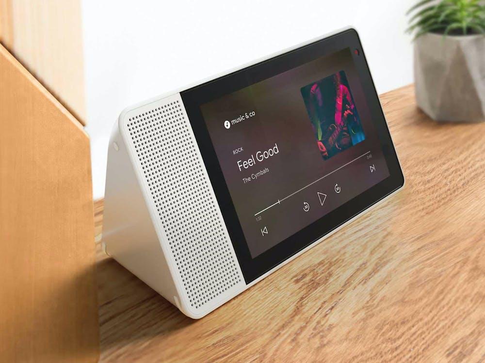 Nach Smart-Displays von Lenovo (hier im Bild), LG und weiteren Partnern wird ein Google Home mit Display im Herbst erwartet. (Bild: Lenovo)