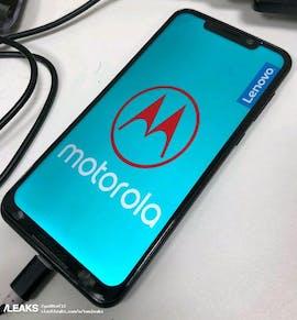 Das Moto One Power soll einen Monsterakku besitzen. (Bild: via Slshleaks)