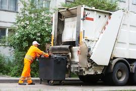 """Abfallkalender Wir alle kennen das Chaos mit der Mülltrennung und die durch Feiertage wechselnden Abholtagen für die einzelnen Tonnen. Der Abfallkalender verrät auf die Frage """"Welche Tonne ist nächste Woche dran?"""" oder """"Alexa, frag den Abfallkalender, wann die grüne Tonne abgeholt wird"""" welcher Müll wann vors Haus muss. Dazu stellen zahlreiche Kommunen passende iCal-Listen mit den Terminen zur Verfügung. Meist stehen diese zum Download zur Verfügung. (Foto: Shutterstock)"""