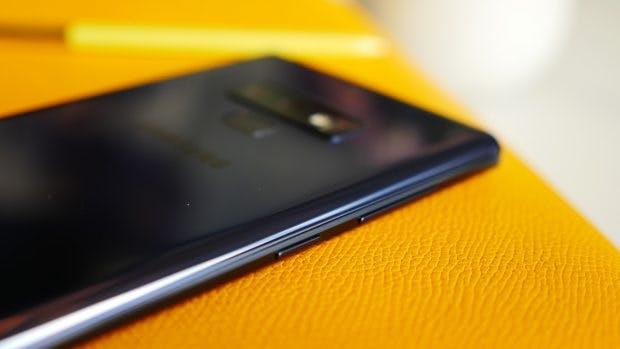 Der Bixby-Button des Galaxy Note 9 lässt sich softwareseitig nicht deaktivieren. (Foto: t3n.de)