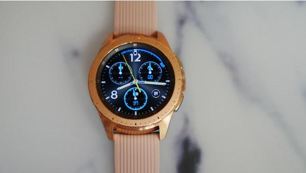 Das 42-Millimeter-Modell der Samsung Galaxy Watch in Rosegold. (Foto: t3n.de)