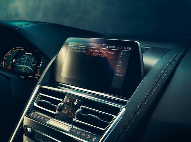 """Der BMW Intelligent Personal Assistant erhält Updates """"Over the Air"""". (Foto: BMW)"""