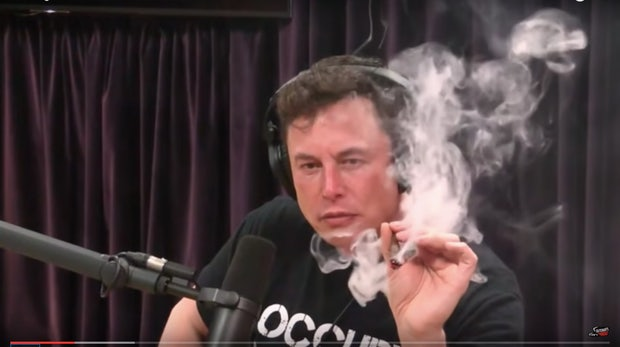 Elon Musk kifft im Interview: Können Rockstars Unternehmen führen?