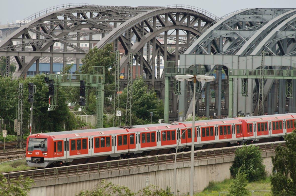 KI bei der Bahn – wenn der Zug Randale meldet