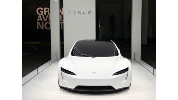 Weißer Tesla Roadster auf der Grand Basel 2018. (Bild: Bluewin)