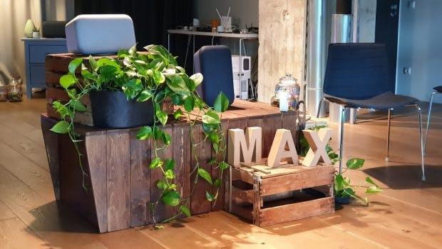 Der Google Home Max ist der neuste in Deutschland erhältliche Smartspeaker mit Google Assistant an Bord. (Foto: t3n.de)
