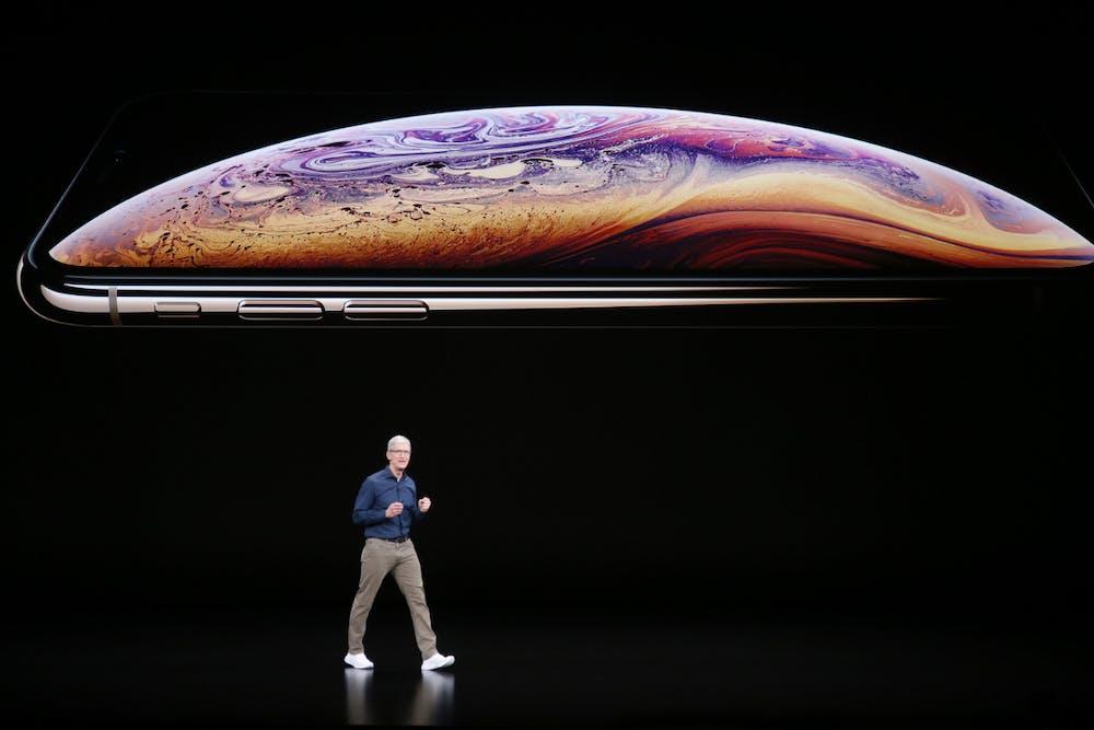 Apple-Chef Tim Cook präsentiert das iPhone Xs. (Foto: dpa)