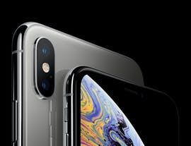 iPhone Xs in Silber. (Bild: Apple)