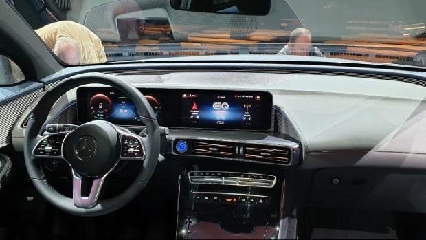 Das Cockpit des Mercedes EQC. (Foto: ten.de)