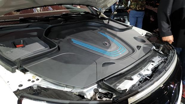 """Unter der """"Motorhaube"""" des Mercedes EQC befindet sich kein Motor, sondern ..."""