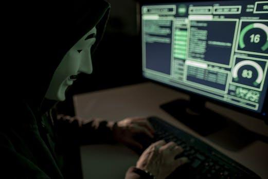 Von Datenleaks bis Urkundenfälschung: 5 Dokus über Cyberkriminalität