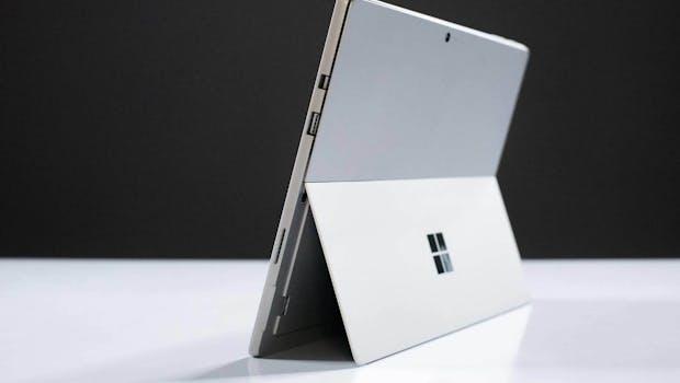 Das Surface Pro 6 unterscheidet sich optisch nicht vom Vorgänger. (Foto: Tinhte)