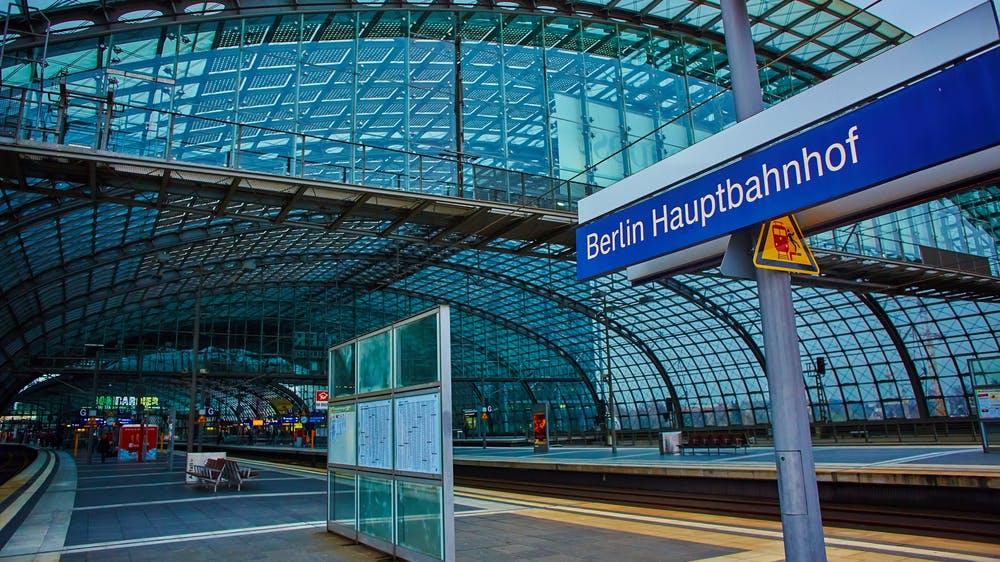 Bahn steigt ins Coworking-Business ein: Erste Bürofläche öffnet im März in Berlin