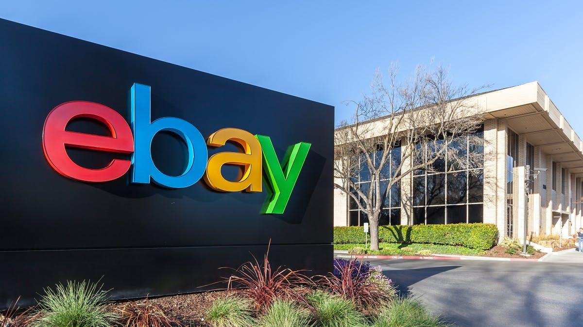 SSchnäppchen zum Black Friday und zur Black Week gibt's auch bei Ebay. (Foto: JHVEPhoto / Shutterstock.com)