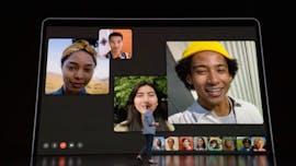 Die Webcam sitzt weiterhin oberhalb des Displays. (Screenshot: t3n.de; Apple)