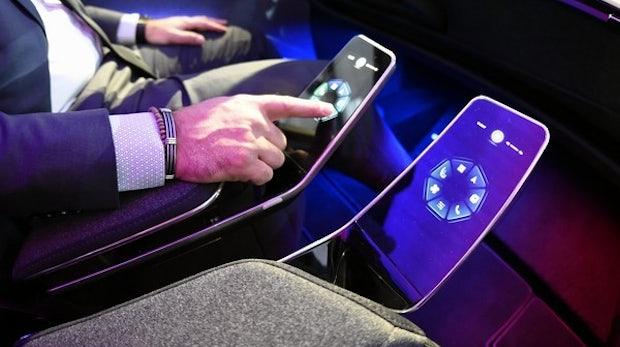 Intelligente Oberflächen für das Autocockpit der Zukunft