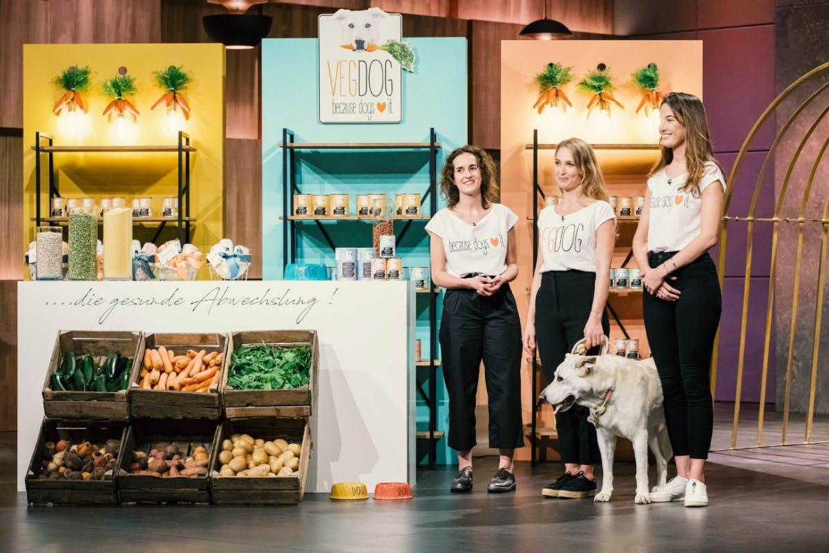 V.l.: Lisa Walther, Tessa Zaune-Figlar und Valerie Henssen von Vegdog (Foto: MG RTL D)