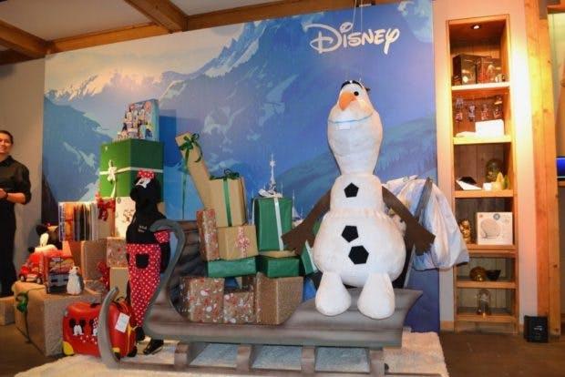 """Olaf aus Disneys """"Die Eiskönigin"""" ist täglich für die Kinder da."""