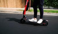 Uber-Tochter Jump ergänzt Pedelec-Angebot in Berlin ab sofort um E-Scooter