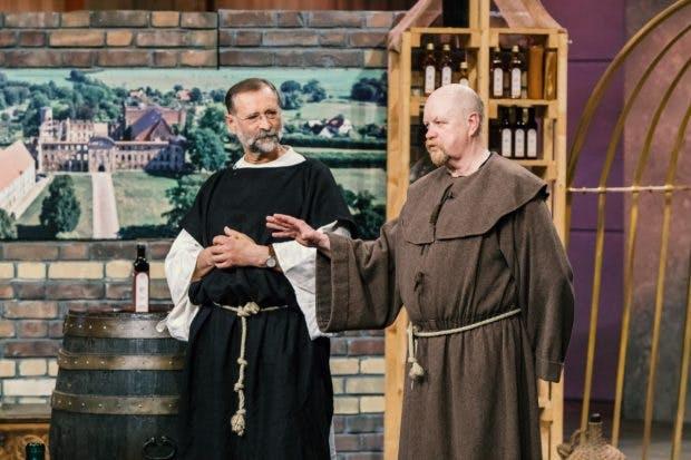 Wolfgang Streblow (l.) und Jürgen Hartwig mit Klostervogt (Foto MG RTL D)