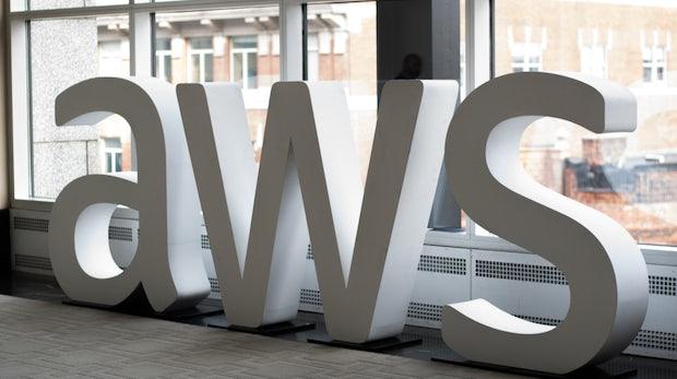 Textract: Gescannte Dokumente analysieren – der neue AWS-Dienst macht mehr als OCR