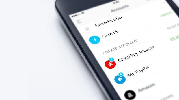 """Banking-App Outbank – Nutzer soll """"mit nur einem Klick"""" in günstigere Verträge gebracht werden"""