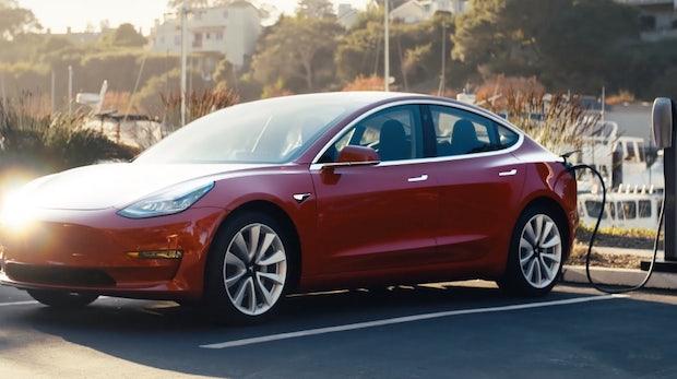 Tesla Model 3 ab Februar in Deutschland bestellbar