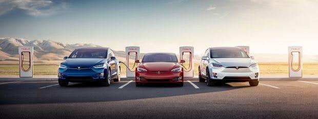An den Supercharger-Stationen in Europa können Tesla-Fahrer bald auch mit CCSStecker laden. (Foto: Tesla)
