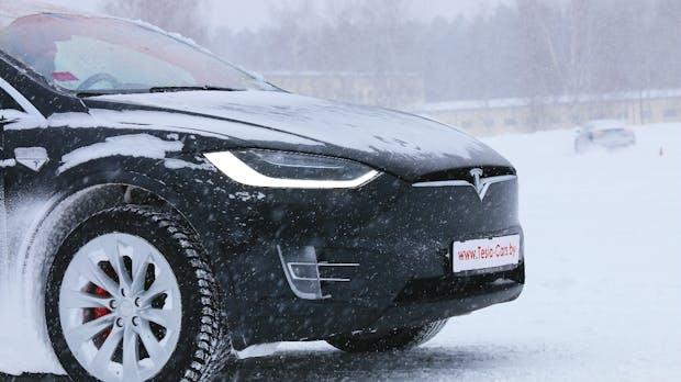 Elektroautos im Winter: Intelligente Technik versus Reichweitenangst