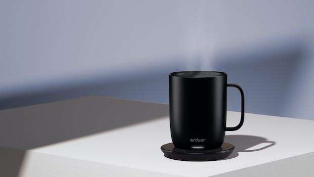 Dein Kaffee in optimaler Trinktemperatur mit dem Ember Mug 2. (Foto: Ember)