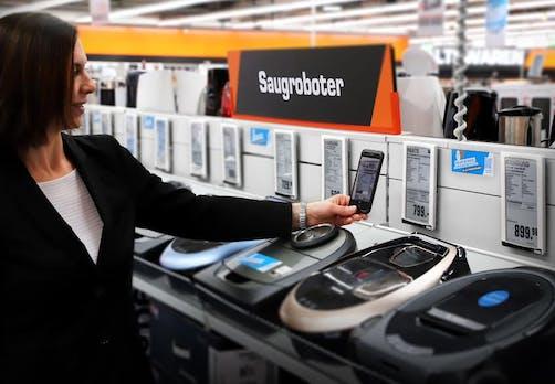 Saturn Bringt Den Weltweit Größten Kassenlosen Elektromarkt Nach Hamburg