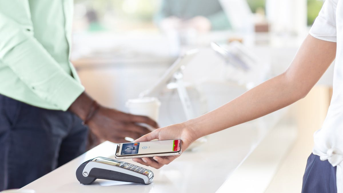 DKB-Kunden können jetzt mit Apple Pay bezahlen