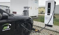 Vollgeladen in in 15 Minuten:  BMW und Porsche demonstrieren Schnellladetechnologie  für E-Autos