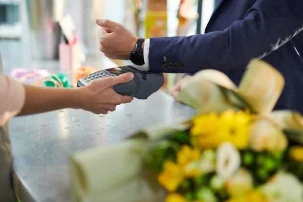 Mit Wear-OS-Smartwatches kann Google Pay auch genutzt werden. (Foto: Shutterstock)