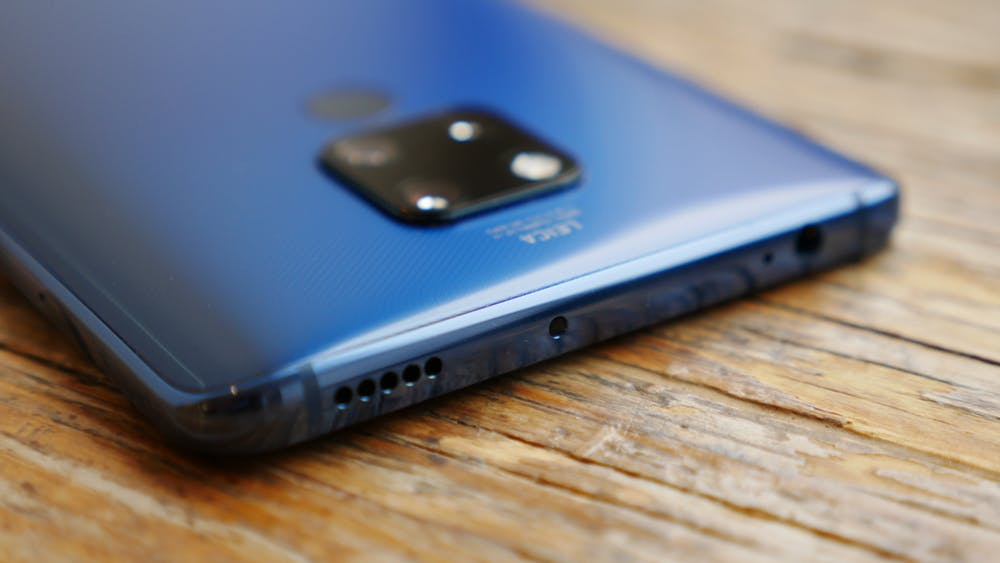 Das Huawei Mate 20 X besitzt im Unterschied zum Pro eine Audiobuchse. (Foto: t3n.de)