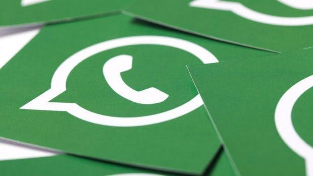 Whatsapp-Logo auf Karton. (Foto: Ink Drop / Shutterstock.com)