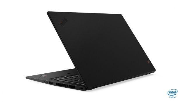 Lenovo Thinkpad X1 Carbon 2019 mit optionalem Carbon-Cover. (Bild: Lenovo)