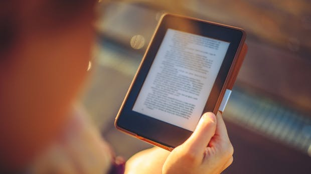Ihr wollt mehr Bücher lesen, scheitert aber kläglich? So klappt's garantiert