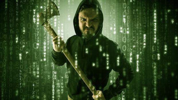 Maske, Axt und grüner Matrix-Zahlenregen: Die schönsten Stockfoto-Hacker