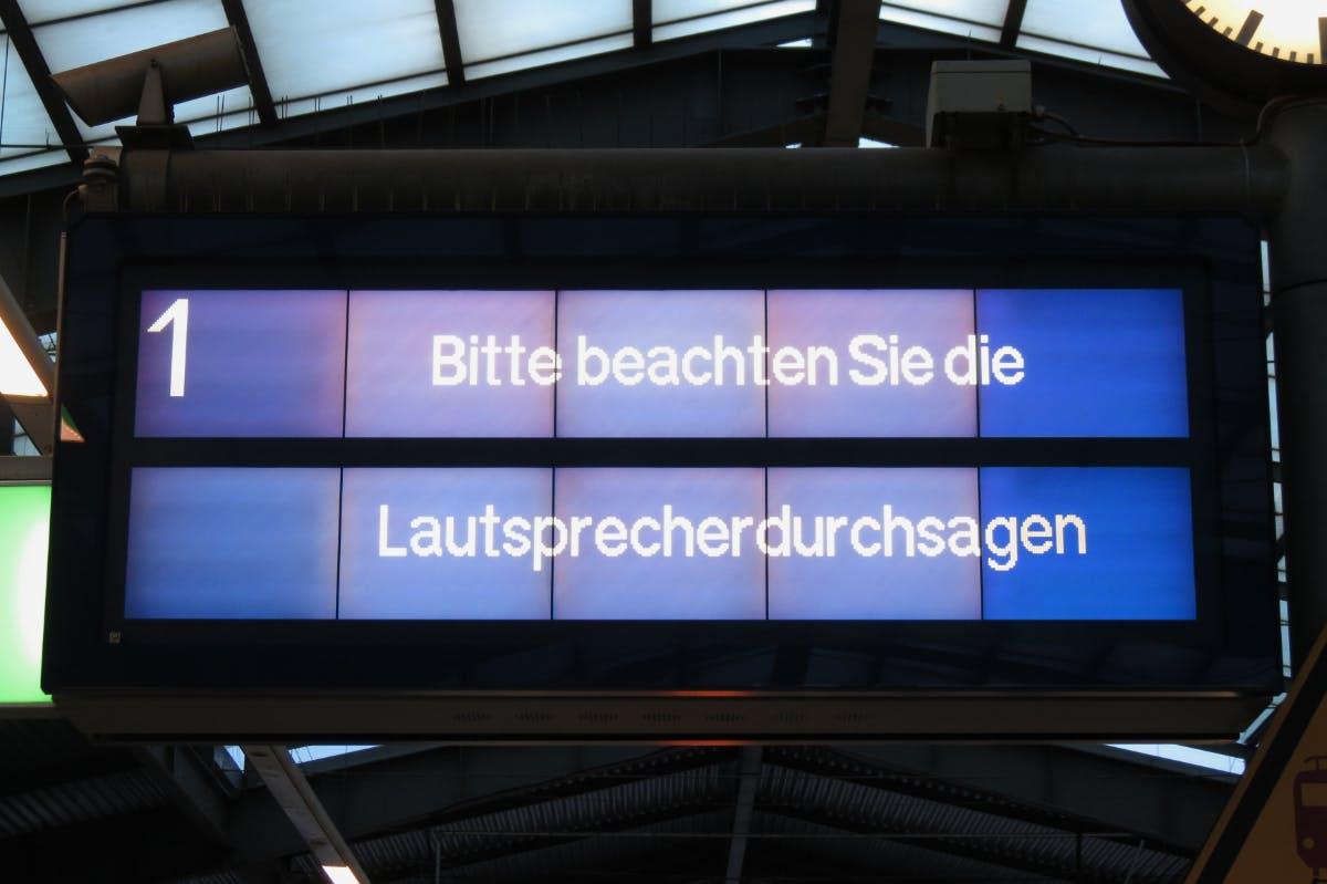 Entspannung am Bahnsteig: DB testet intelligentes Soundsystem im Realbetrieb