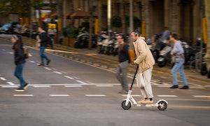 Media Markt und Saturn bieten erste E-Scooter mit Straßenzulassung an